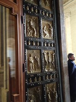 2porte sainte basilique St Pierre